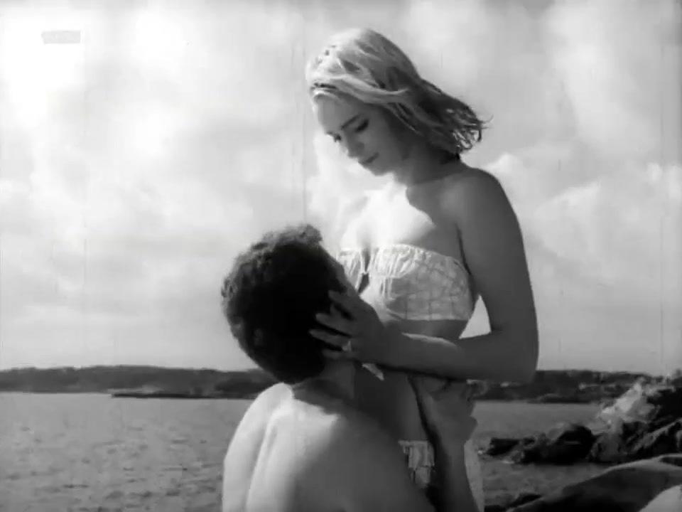Line (1961) – Margrete Robsahm Nude Scene Video