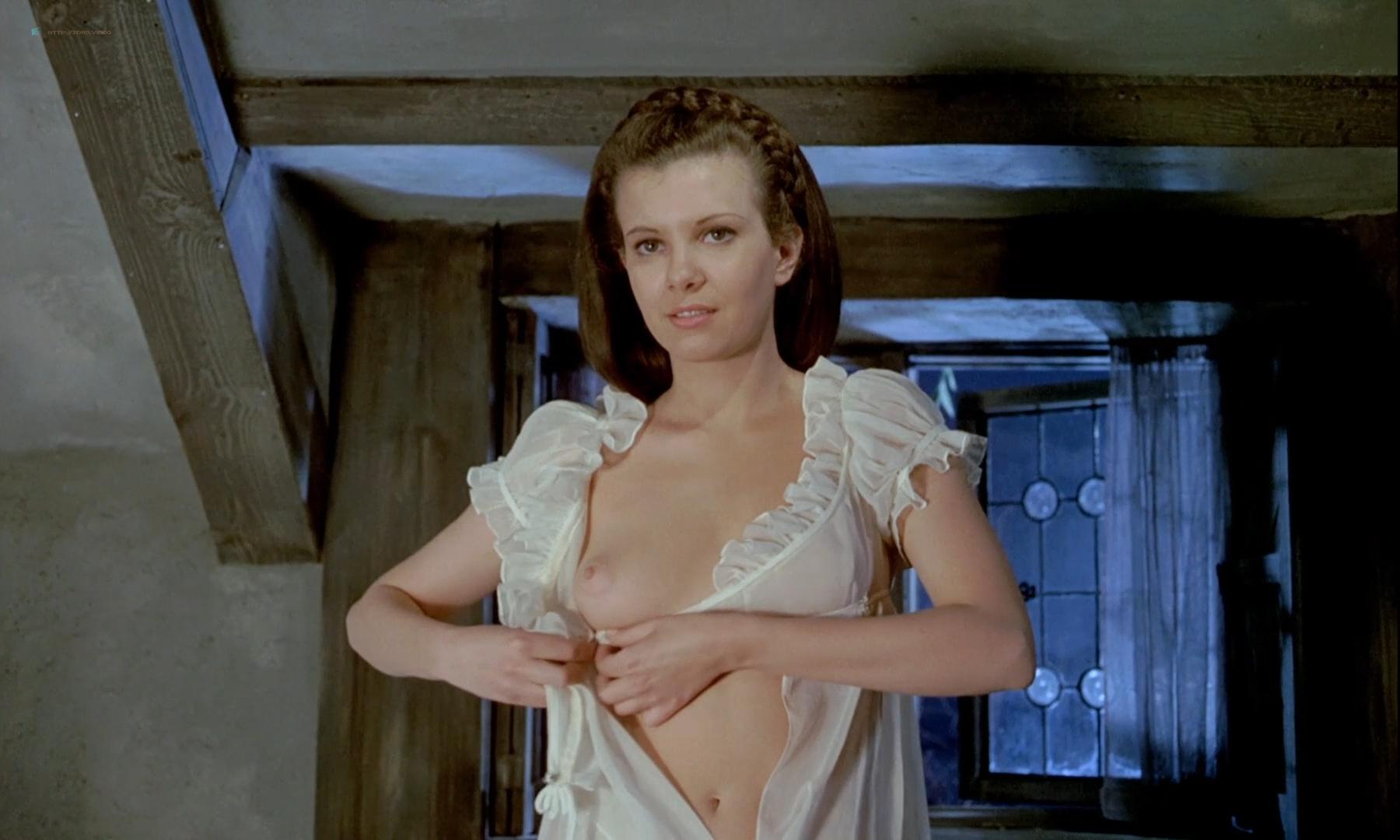Twins of Evil (1971) – Madeleine Collinson Nude, Mary Collinson Nude, Maggie Wright Nude Scene Video