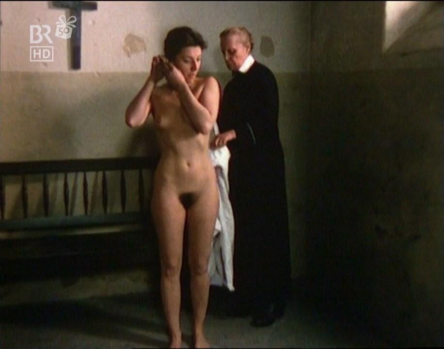 Harrow nackt Lisa  Lisa Harrow