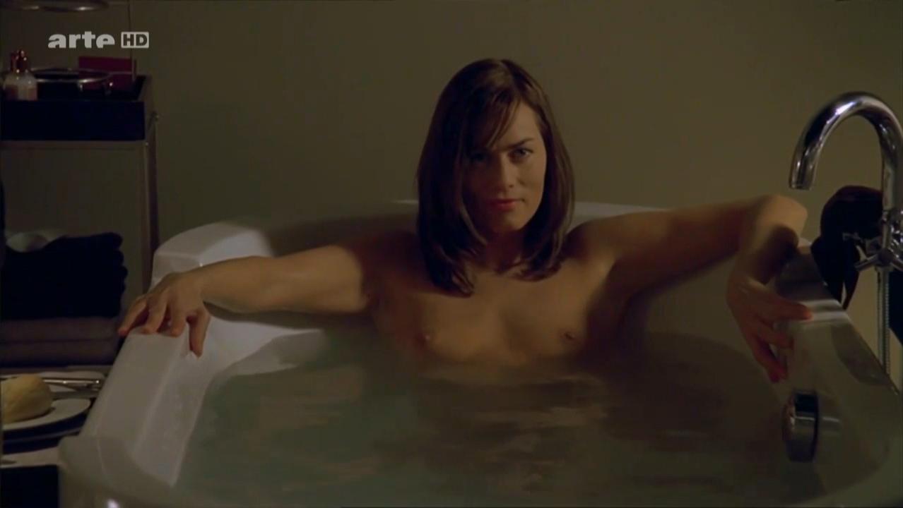 Joan Murphy  nackt