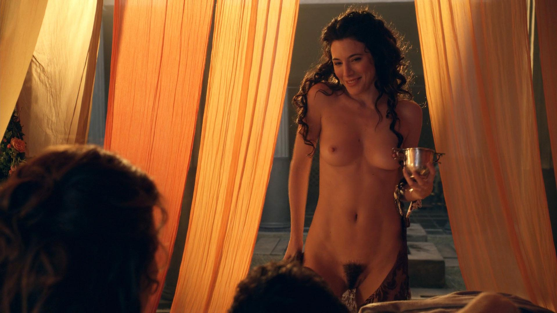 In lucy lawless spartacus nackt Lucy Lawless