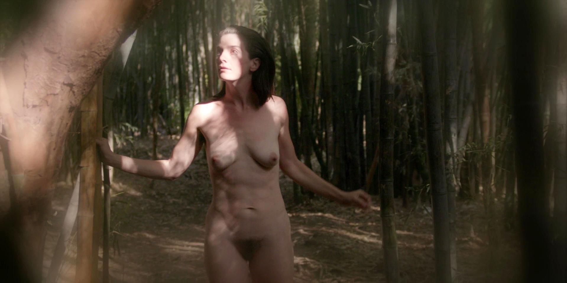 Anna Kazuchic  nackt